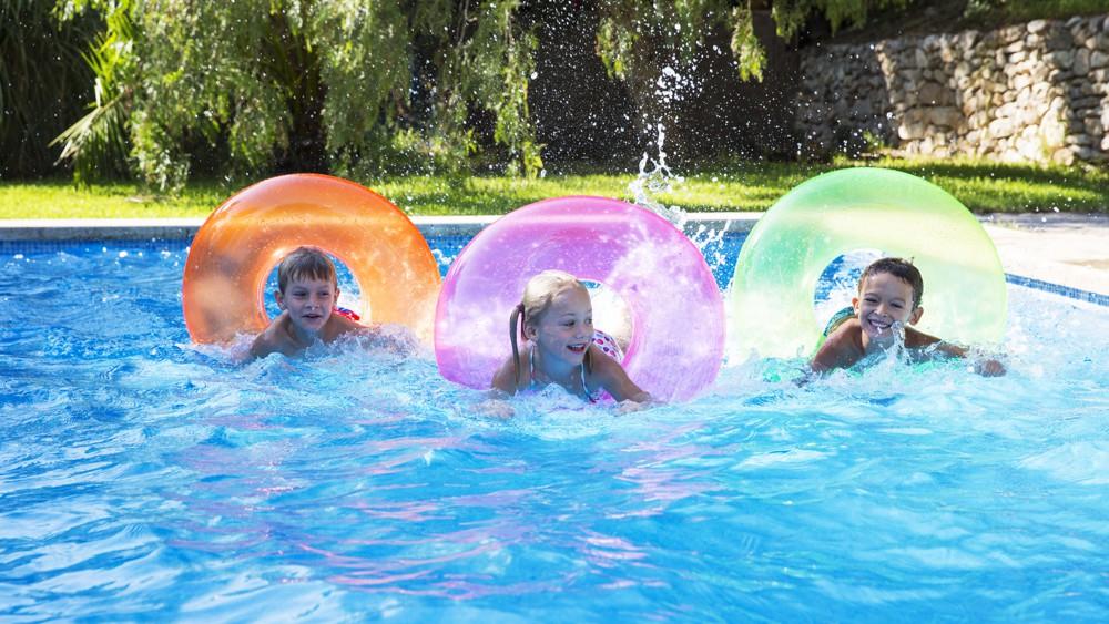 La location de piscines entre particuliers a le vent en poupe, Le Lab/Idées