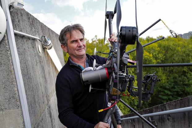 Hyperion 7 invente le drone qui ne tombe pas, pour survoler du public, Le Lab/Idées